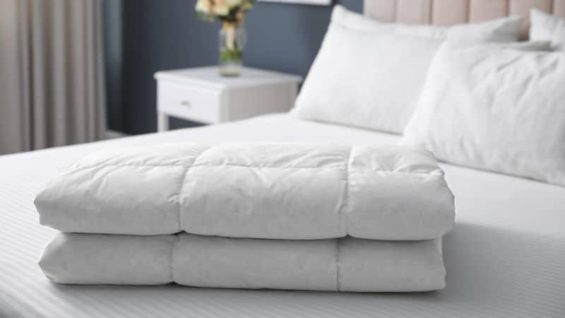 Best Comforter Brands in India 2021